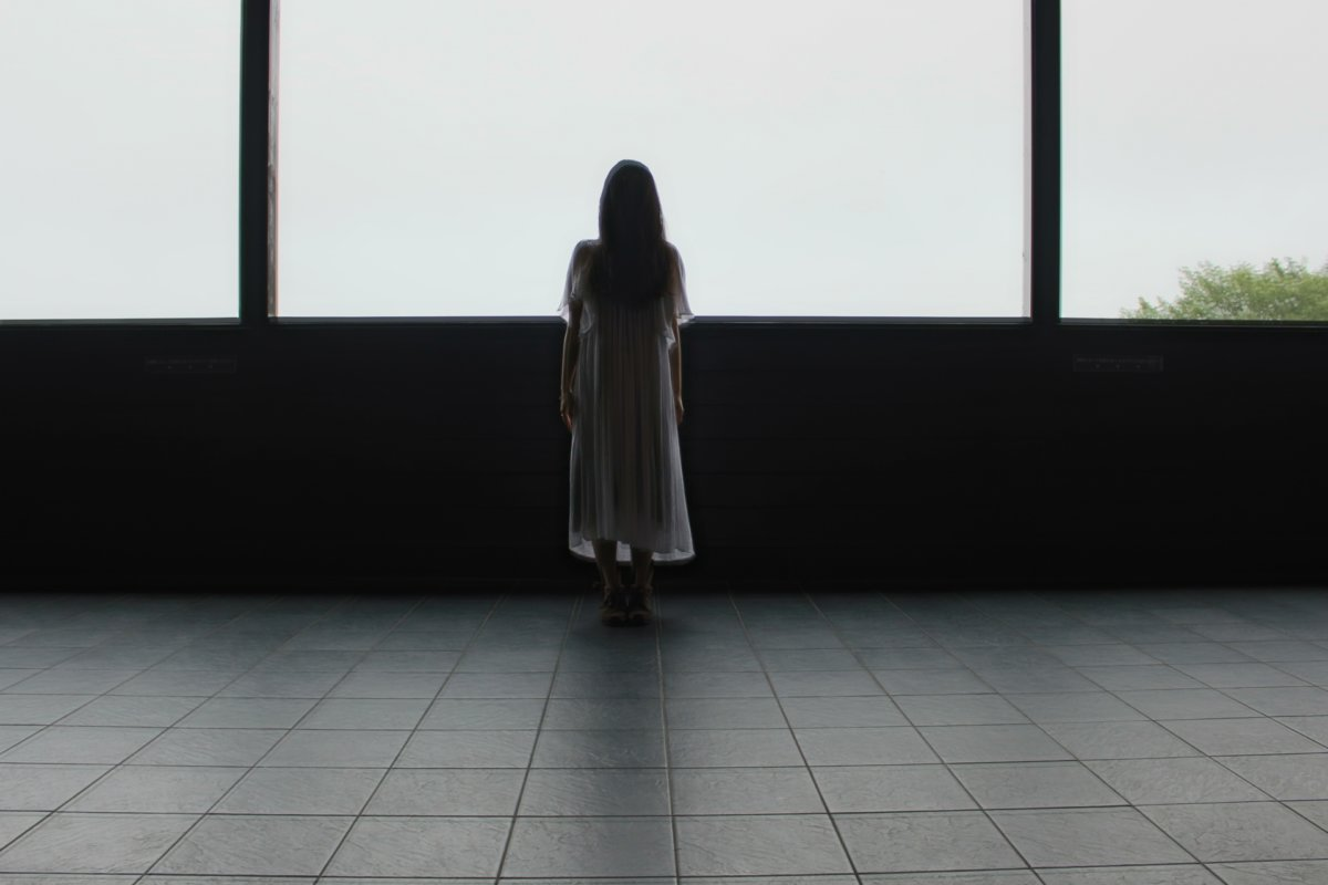 女性の幽霊