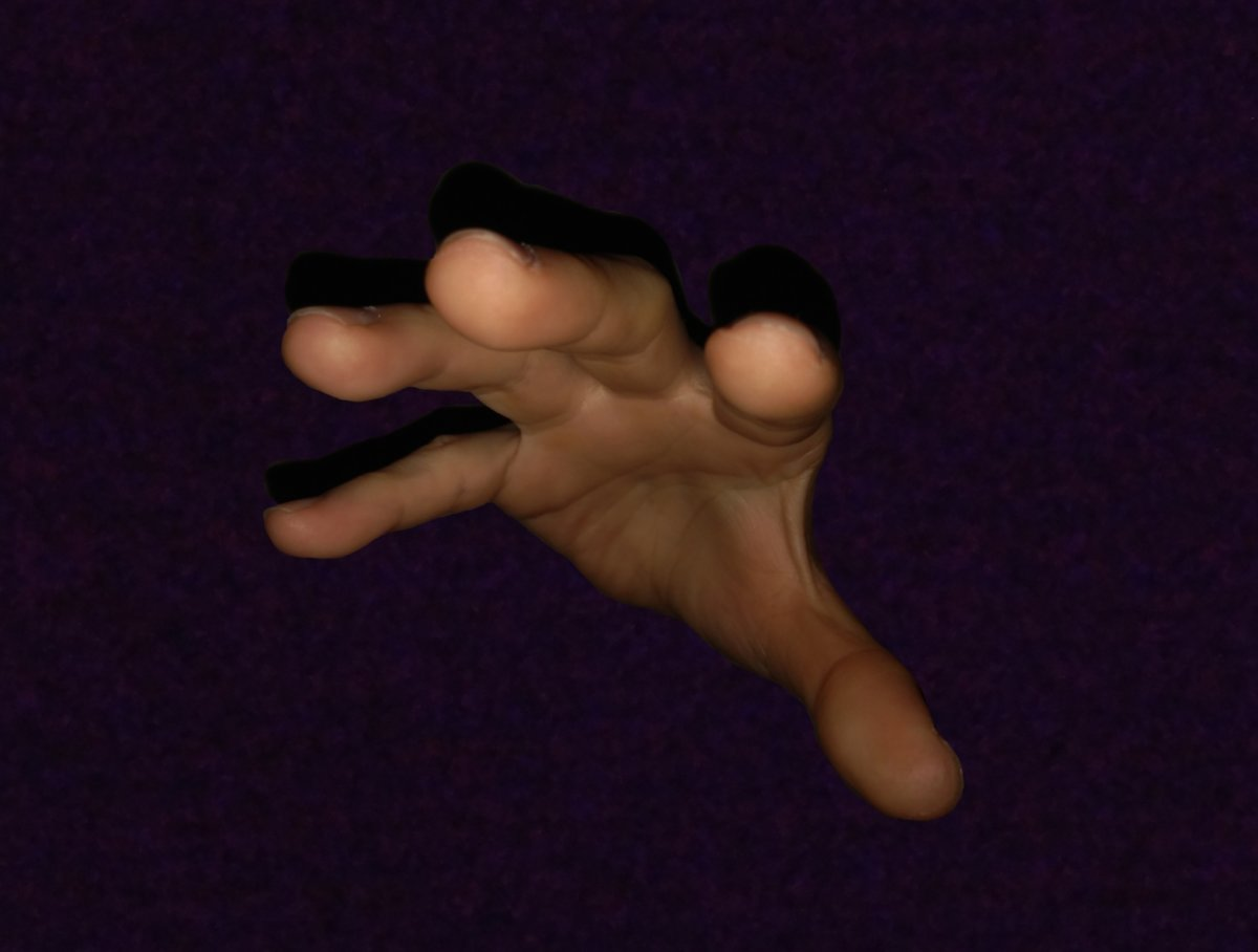 暗闇から手