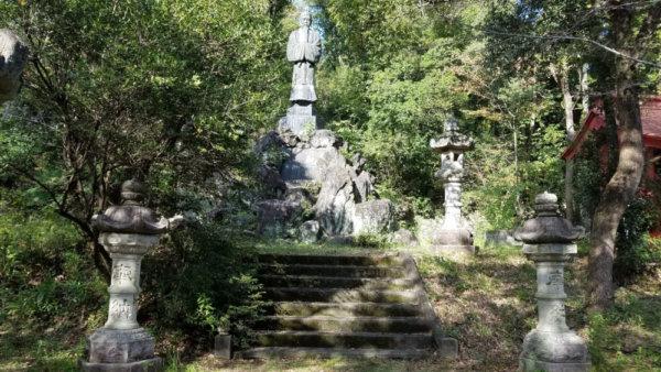 前田公園の観音像