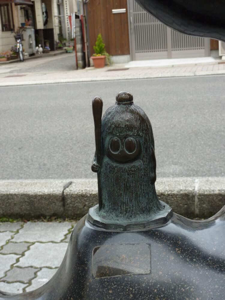 倉ぼっこのブロンド像の写真