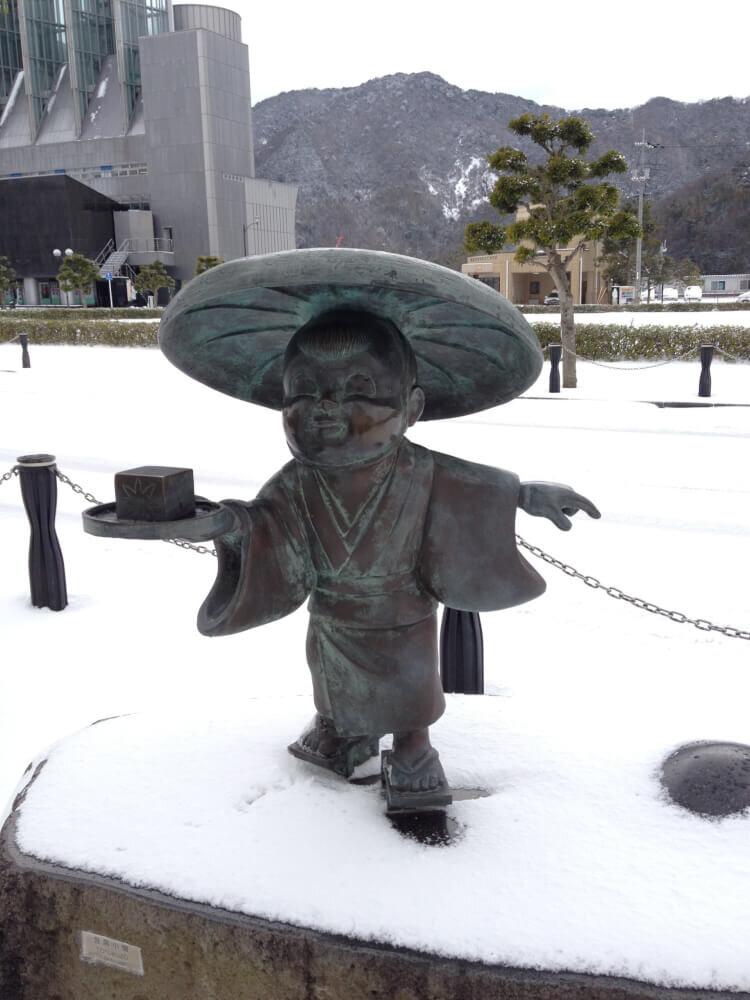 豆腐小僧のブロンド像の写真