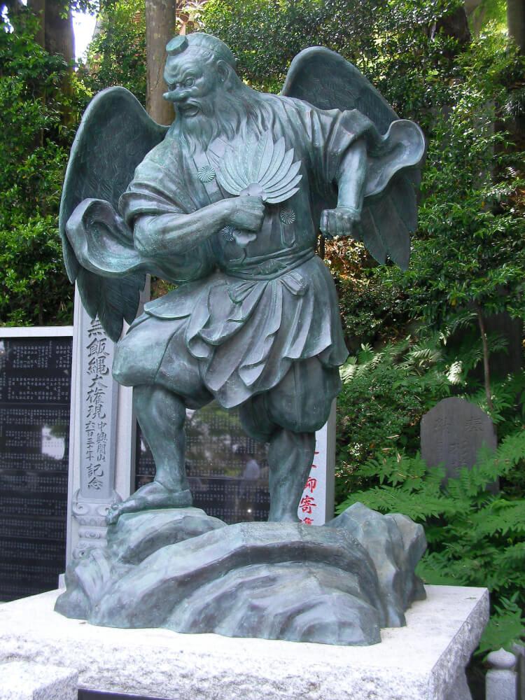 高尾山の大天狗の像の写真